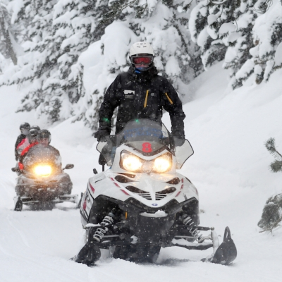 EXCURSIONES EN MOTOS DE NIEVE